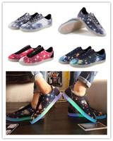 Galaxy mode étoiles motif ciel étoilé chaussures lumineux 3colors imprimer économie d'énergie de lumière des chaussures à lacets baskets casual EMS DHL