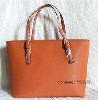 big red logo - 2016 New Arrive Women Shoulder Bag ladies Leather handbag Vintage Messenger Bag Crossbody Bags brand logo Women Bag big tote