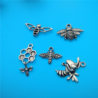 European Beads bee charms beads - Mixed Tibetan Silver Bee Hummingbird Charms Pendants Jewelry Making Bracelet Necklace Fashion Popular Jewelry Findings Accessories DIY V164