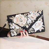 Wholesale Cheap Small Envelopes - New Arrival 2016 Vintage Black Envelope Embroidery Clutch Bags Cheap Flowers With Sequins Formal Party Women Bags EN4061