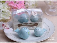 Wholesale Feathering The Nest Ceramic Love Birds Salt and Pepper Shakers Seasoning Cans Party Wedding Favors and Gifts set set
