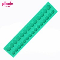 Wholesale Silicone Molds For Chocolates - Emoji Shaped silicone Fondant Mold,chocolate molds,candle molds, form for soap wholesale,Fondant Cake Decorating Tools