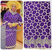 achat en gros de vêtements de dentelle voile-Purple Gold African Handcut Organza Dentelle Swiss Voile Dentelle tissu Nigéria vêtements de mariage avec des pierres métalliques lurex 5 mètres 4083