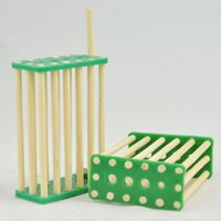 beekeeping supplies - wooden or bamboo queen cage beekeeping queen catcher bamboo bee queen cage Beekeeping Queen Rearing Supplies Bamboo Queen Bee Breeding Cage