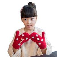 Wholesale 2016 Winter Children Unisex Christmas Elk Hanging Neck Knit Gloves Kids Plus Velvet Keeping Warm Gloves Years ST0200