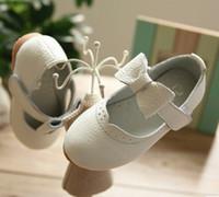 al por mayor bebé vestido negro rosa-2016 otoño muchachas de los niños hechos a mano zapatos de cuero genuino Zapatos Negro Blanco Rosa de los bebés del Bowknot dulce danza Zapatos de vestir B4146