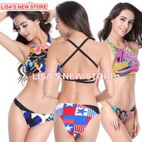 achat en gros de femmes bikini string-2016 HOT New Women Bikini Sexy Jeunes Filles Bikinis Set Maillots de bain d'été 3D Color Halter Top et Thong Bottom Maillots de bain Baignade femmes