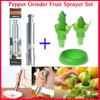 Wholesale Hight Quality Stainless Steel Black Pepper Grinders Mill and Lemon Hand Fruit Sprayer Set Juicer Juice Spray Device Kitchen Dinning Tool