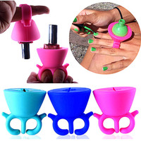 Wholesale Soft Silicone Finger Wearable Nail Gel Polish Bottle Holder Creative Wearable silicon nail polish holder with ring Nail Tools