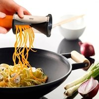 Wholesale Upgrade Carrot grater Vegetable Fruit Spiral cutter Shred Process Device rotating hourglass shredded Slicer cooking tools