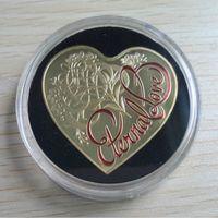 australian souvenirs - 2pcs Non magnetic The Australian Eternal love heart shaped Elizabeth gold plated souvenir coin
