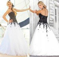 Wholesale Vintage Gothic Wedding Dress Sweetheart back Corset tulle White and black Bridal Gowns Applique Lace Vestidosde Novia