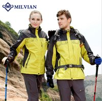 Wholesale milvian new men and women s outdoor sport apprel polyester removable lliner hiking wear quick dry breathble wind warm camping jackets