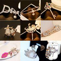 Wholesale Luxury AAA Zircon Letter D Channel Brooches Women Pearl Rhinestone Brooch Pins Crown Key Swan Jingling Bell Deer Scarf buckle CC Christmas