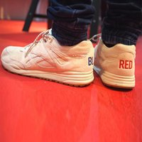 Wholesale Drop Shipping Kendrick Lamar Ventilator Red Blue V68673 Womens Mens Sports Running Athletic Shoes Size