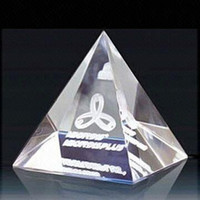Wholesale Can be Customize cm Crystal pyramids Blank crystal Home Decoration Crystal gift and retail