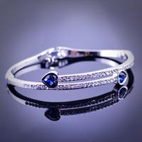 Wholesale Crystal popular heart bracelet exquisite fashion Korean style luxury popular new design elegant classic bracelet GLW302