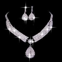 2017 Luxe Bridal Accessoires Collier Boucles D'oreilles Accessoires Bijoux De Mariage Ensemble Deux Pièces Cheap Style De Mode Vente chaude de la Chine bon marché