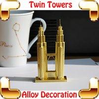 al por mayor maquetas de construcción-Regalos de Año Nuevo torre gemela del modelo 3D de la construcción Metal Hierro Malasia construcción del modelo de escala de plata de la decoración de oro del rompecabezas DIY juega