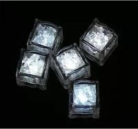 Wholesale Auto colors Mini Romantic Luminous Cube LED Artificial Ice Cube Flash LED Light Wedding Christmas Decoration Party