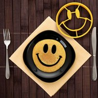 Wholesale Creative Kitchen Wares Silicone Smiling face Fried Eggs Mold Pancake Mold Kids Diy cooking tools