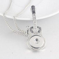 Wholesale Ginger Snaps Jewelry Guitar Pendant Silver Plated Snap Charms Necklace Noosa Snap Jewelry For Women NAB0037