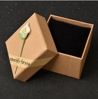atmosphere contracts - New style watch packing box retail box high quality kraft paper Sticky flower jewelry box Contracted atmosphere Thickened