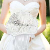 Wholesale white Handmade Crystal Bridal Wedding Bouquets with Beaded Artificial Rhinestone Satin Rose Flower Bride Bridesmaid Holding Bouquet Decor