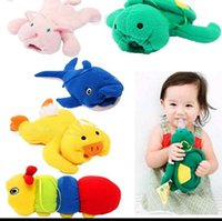 cutebaby Élégant 2016 Yellow Duck Green Turtle Feeder Cartoon Lagging biberon Huggers alimentation du nourrisson sac de bouteille cas pour le nouveau-né