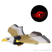 Wholesale Electronic Animal Toy Flying Hanging Eagle with Light Sound Great Electronic Pet Toy Eagle for Kids brinquedo