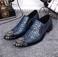 Wholesale new style crocodile embossed grain pointed men s leather shoes business dress shoes