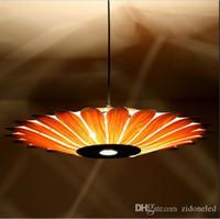 achat en gros de cuir pendentif lumière-Sud-Est asiatique simple en cuir conduit lampe pendante de style créatif éclairage en bois jaune tournesol forme E27 luminaire ampoule