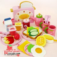 Wholesale Strawberry Bread Toast Set Wooden Play Food Baby Toys Educational Pretend Play Kitchen Toys Gift