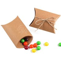 Wholesale 12pcs Cute Kraft Paper Pillow Favor Gift Box Wedding Party Gift Candy Boxes Paper Gift Box Bags Supply Wedding Candy Box Decor