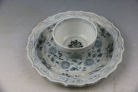 ancient chinese tea - China s yuan blue and white tea Chrysanthemum branches patterns The ancient porcelain and old goods Chinese art collection