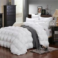 Wholesale Warm heart down quilt Light Keep warm washable white Pink High grade soft Sethe Long service life Two kinds of specifications