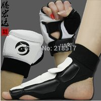 Wholesale Adult Taekwondo Gloves Sparring hand foot protector cover boxing gloves professional gauntlets Taekwondo Brace Protection F