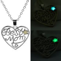 best gifts mom - 2016 Hot Selling Hot Pierced letters Pendant Necklace quot Best Mom quot Twinkling Stars Glow In Dark luminous Pendant Necklace Love Mother zj