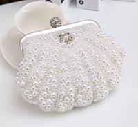 achat en gros de jaune livraison gratuite embrayage-Nouvelle dame de mode Embrayage Europe et perle de coquillage de perle de style d'Amérique avec les sacs de soirée de diamant Messenger blanc jaune beige bateau libre B41