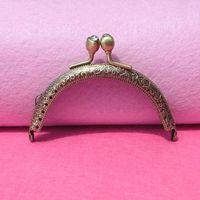 Wholesale CM Bronze Coining Pattern Metal Coin Purse Frames Diamante Head Bag Handle Cluth Kiss Clasp DIY Bag Frame Accessories