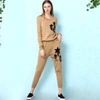 Wholesale New Arrival Autumn Women s O Neck Long Sleeves Sequined Sweaters with Knitted Ankle Length Pants Fashion Twinsets