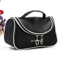 Wholesale Hot Brand Makeup Cosmetic Bags Retro Beauty Wash Case Zipper Handbag Make up Bags for Woman