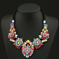 acrylic resin paint - New Necklace Jewerly Gold Chain Spray Paint Flower Metal Beads Resin Crystal Stones Luxury Jewelry