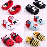 Wholesale 0 month hot new products soft sole baby shoes with different colors moccasin baby girl shoes