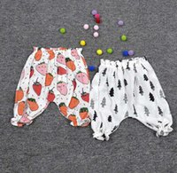 Wholesale 2016 New summer baby kids fruit printed cotton and linen casual harem pants watermelon lemon strawberry short trousers Cropped Trousers