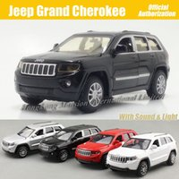 Wholesale 1 Scale Diecast Alloy Metal Car Model For Jeep Grand Cherokee Collection Model Pull Back Toys Car With Sound Light