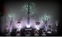 Wholesale High Gloss inch White LED Light Base Silver Body With Clear PC Cover for Wedding Dining Table Centerpiece Lighting Piece