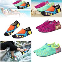 aerobic shoes - DHL Summer NEW Swimming Light Aqua sports Sandals Water Shoes Barefoot Aerobic Vacance Multi Socks QuickDrying Slip On Skin Soft beach shoes