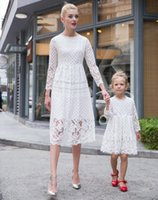 Wholesale Mother Daughter Dresses European style Mom and Me White Lace Matching Dress Mother and Maughter Clothes for Party SDB1174