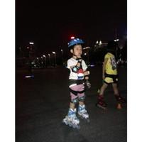 Pantalones patines España-parte inferior de la cadera acolchado pantalones de esquí para los niños juegos de patinaje que patina la culata de cadera pantalones cortos de protección fácil de poner encendido / apagado